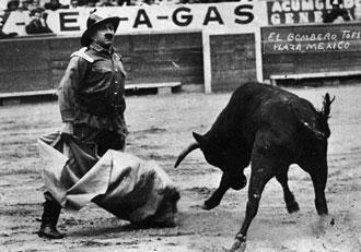Pablo Celis durante una actuación en la plaza de toros Monumental de México.