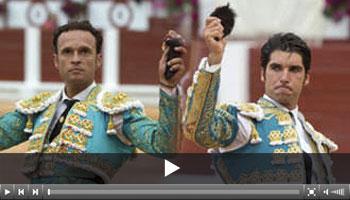 Ferrera y Cayetano, oreja de mérito en el cierre de Gijón