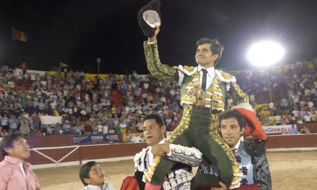 Pleno de Joselito Adame, cuatro trofeos en Mérida