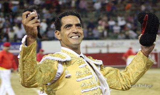 Garibay, oreja en su adiós a Guadalajara