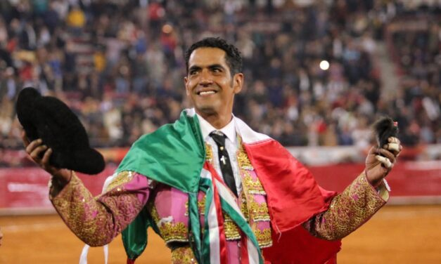 Emotiva faena de Garibay en su adiós a La México