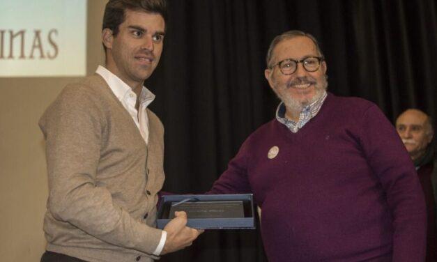 Rubén Pinar recibe el Premio Pedrés