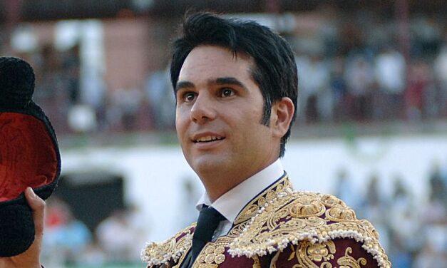 Salvador Vega da el salto a la política