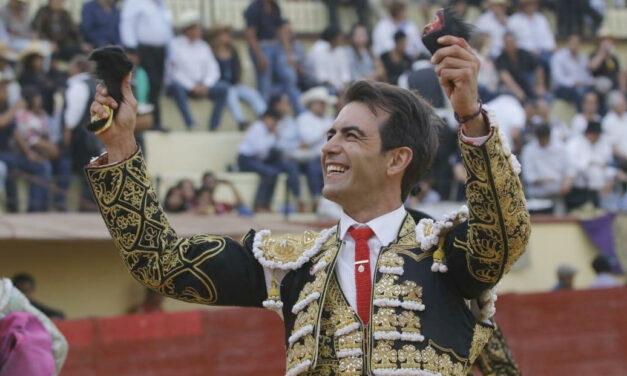 Arturo Macías, triunfador en Texcoco