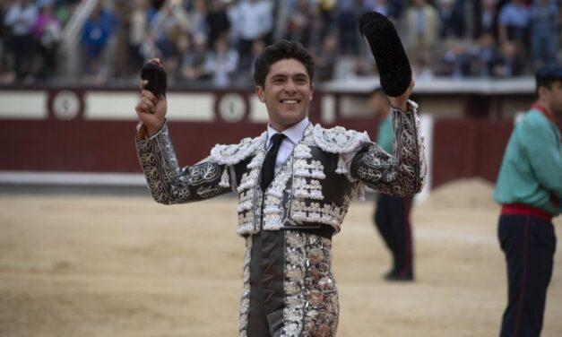 Oreja a la actitud de Rafael González y crédito al sello de Fernando Plaza en Madrid