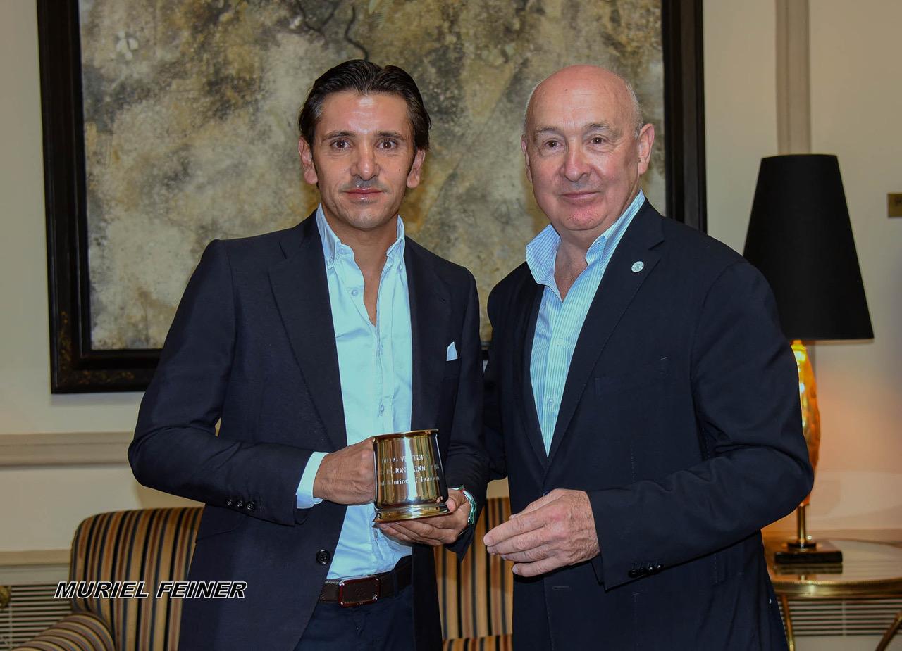 Diego Ventura y Andrew Moore (Vicepresidente del Club Taurino de Londres)