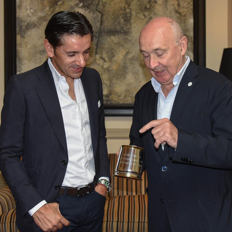 Diego Ventura y Andrew Moore (Vicepresidente del Club Taurino of London)