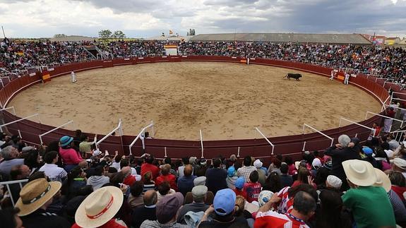 Una corrida de rejones el 11 de julio en Benavente