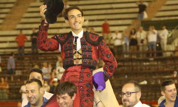 Jesús Duque se reivindica en Valencia con una excelente corrida de El Parralejo