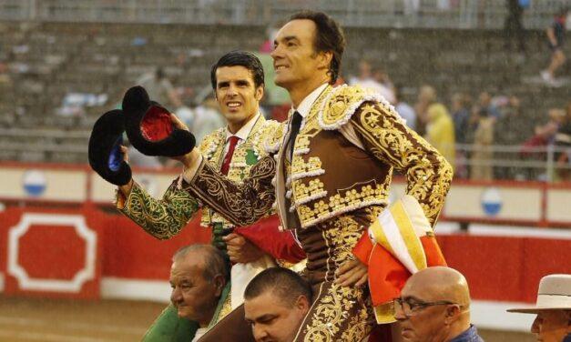 Feliz despedida de El Cid, a hombros con un importante Emilio de Justo en Santander