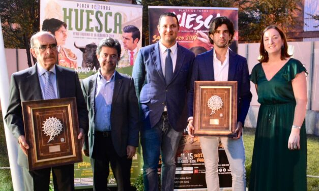 Huesca calienta motores con una gala taurina