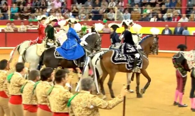 Una corrida de toros en Nazaré el 22 de agosto