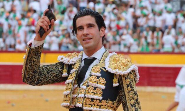 López Simón, dos orejas, primer triunfador en Huesca
