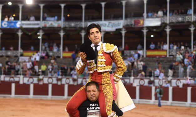 Triunfo rotundo de Álvaro Lorenzo, cuatro orejas en Gijón