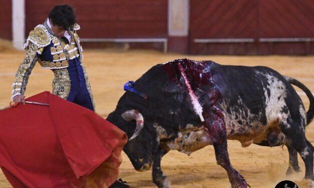 Solitaria oreja para Luis David en el arranque de Almería