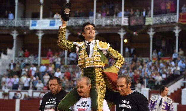Magisterio de Ponce y triunfo de Perera en el epílogo de Gijón