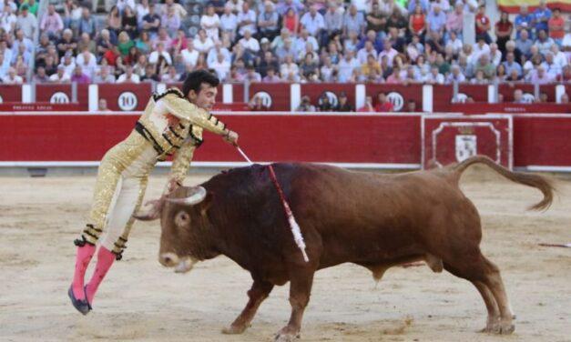 Cristian Pérez cala en Albacete, oreja como Sergio Felipe y Jesús Moreno