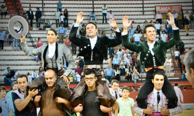 Andy Cartagena, Leonardo y Lea Vicens, puerta grande en Jaén