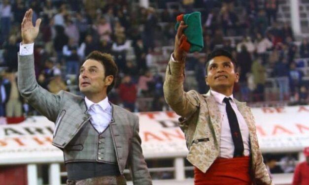Andy, El Canelo y Valadez, oreja en Querétaro