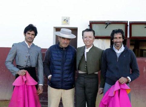 Ortega Cano, Paulita y Curro Díaz despiden el año toreando