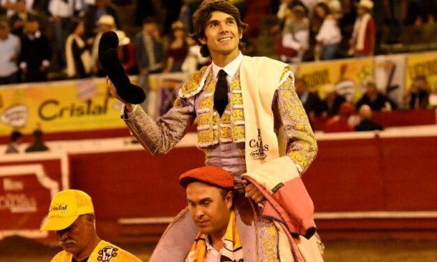 Sebastián Castella, rotundo, conquista Manizales