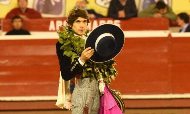 Impacta José Arcila, triunfador junto a Castella en el festival nocturno de Manizales