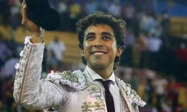 Leo Valadez, a hombros en Autlán de la Grana