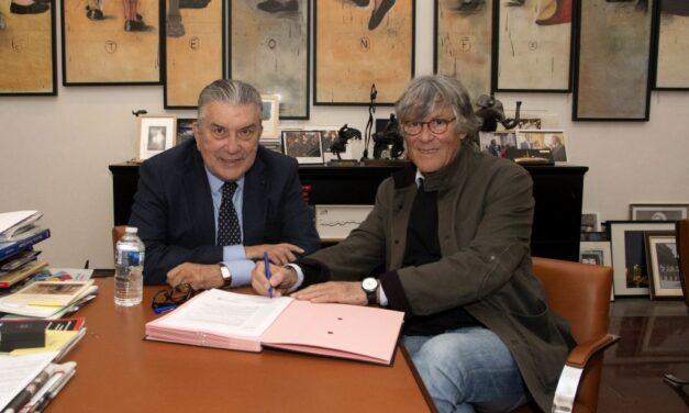 Simón Casas firma la concesión de la plaza de Nimes por cinco años