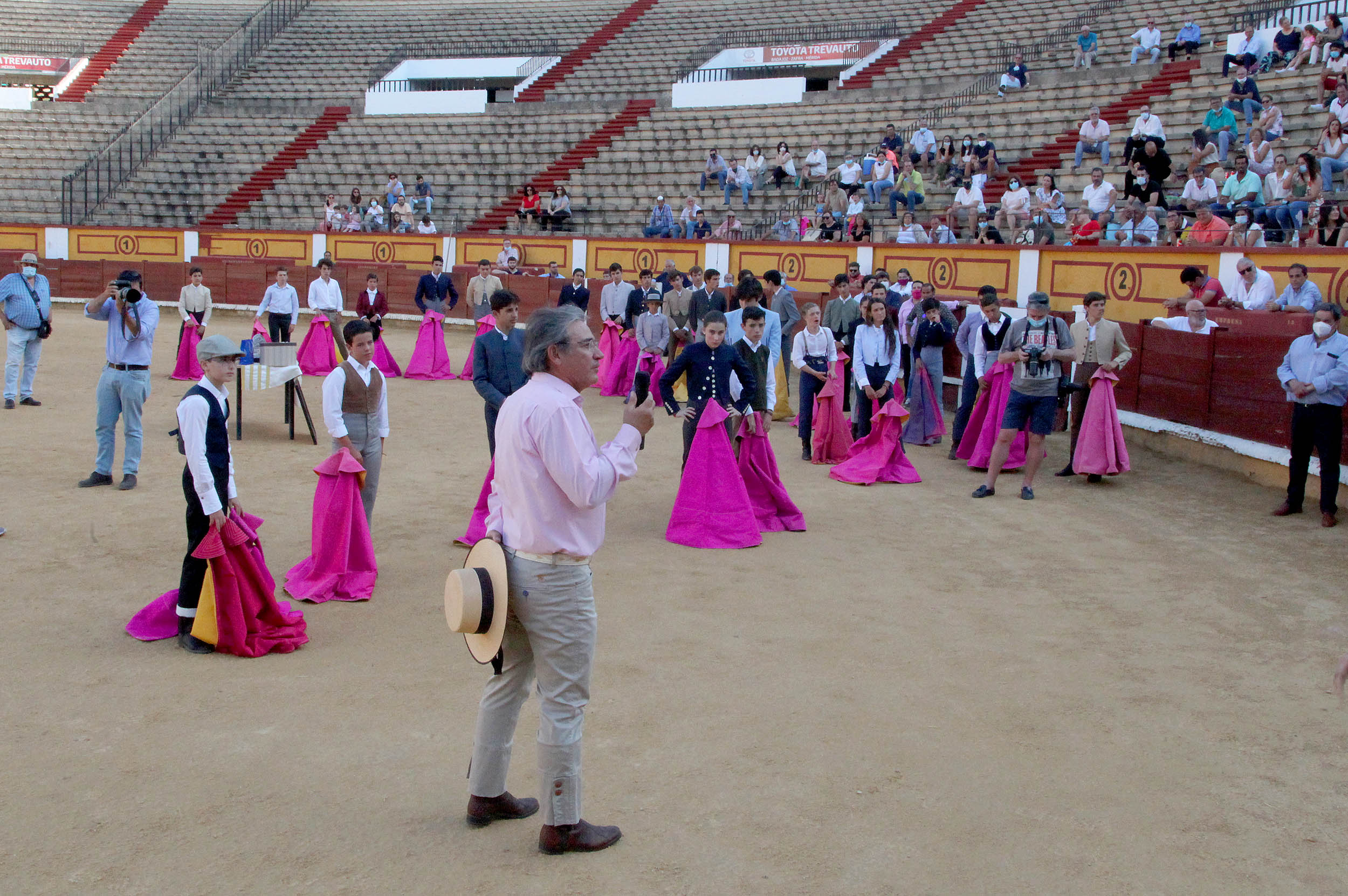Homenaje de la Escuela de Badajoz a Luis Reina