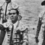 """Manuel Álvarez """"Andaluz"""", con la primera oreja de la historia de San Isidro."""