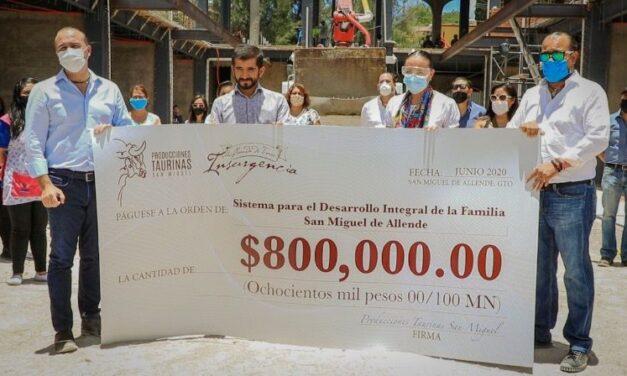 Joselito Adame entrega 800.000 pesos para fines benéficos