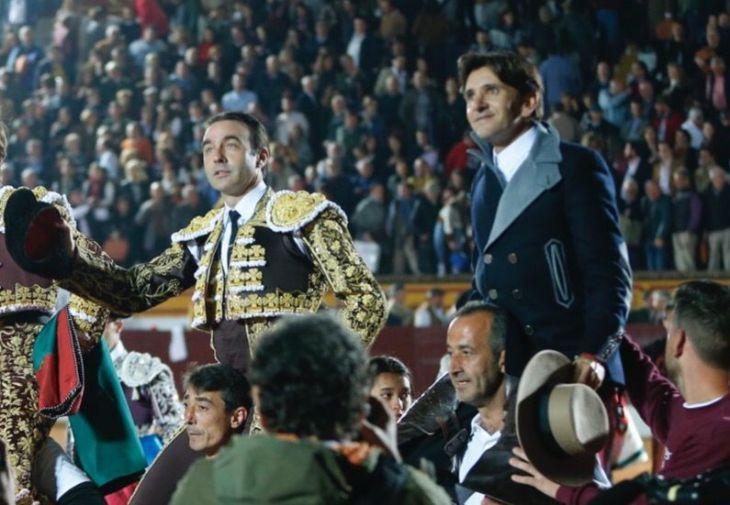 Enrique Ponce y Diego Ventura, en la pasada Feria de Olivenza.