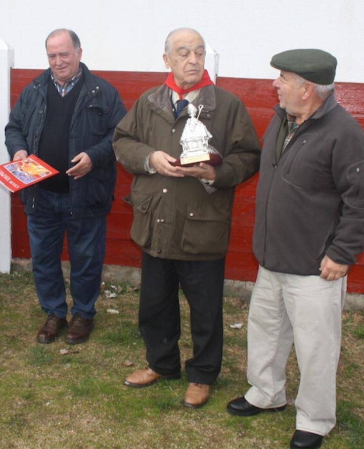 Con el Club Taurino de Pamplona en su finca Tabera.