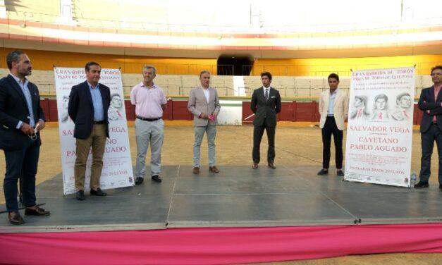 Terna de arte para la reaparición de Salvador Vega en Estepona