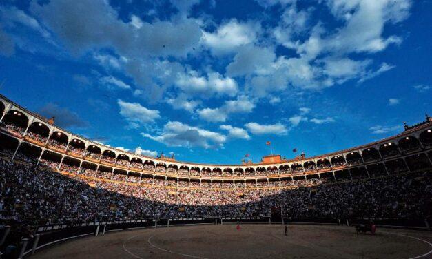 El Gobierno pide suspender los toros en Madrid