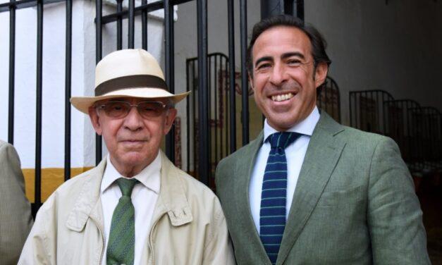 La cuadra de caballos de picar de Antonio Peña, premio Colombinas de Honor