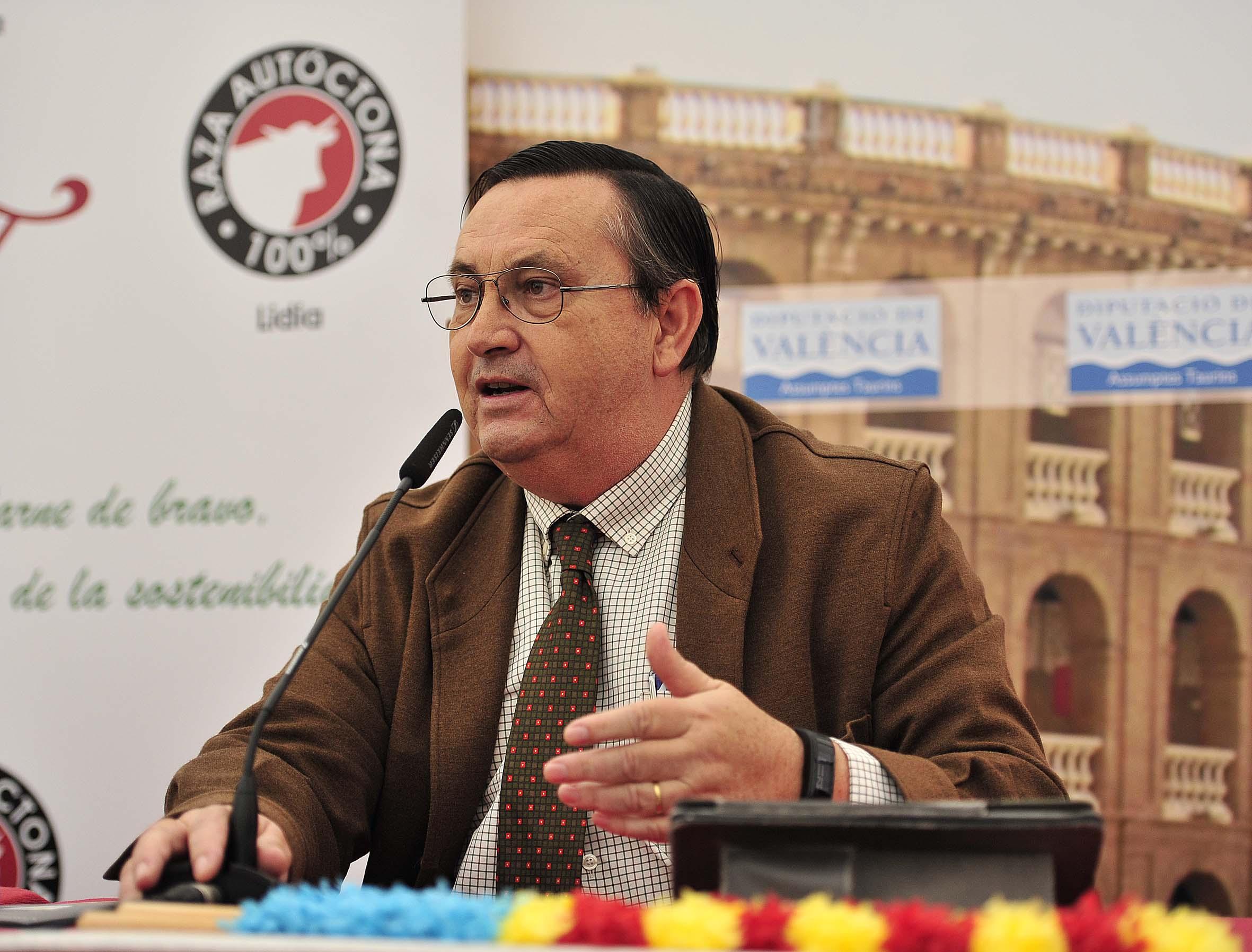 Víctor Huertas Vega, licenciado en Veterinaria, ganadero de bravo y presidente de la Asociación de Ganaderías de Lidia (AGL).