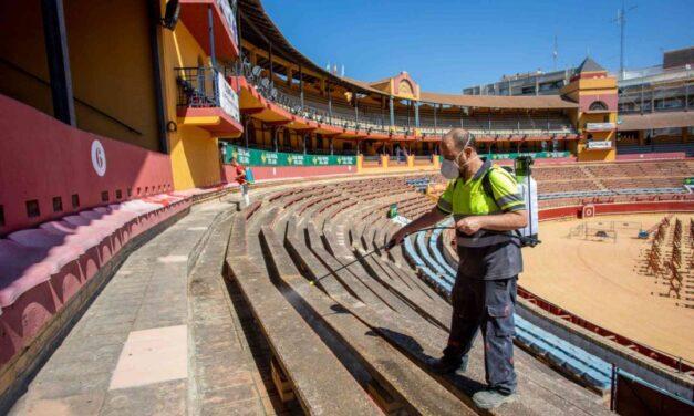 Huelva pone a punto la plaza para celebrar la feria con seguridad