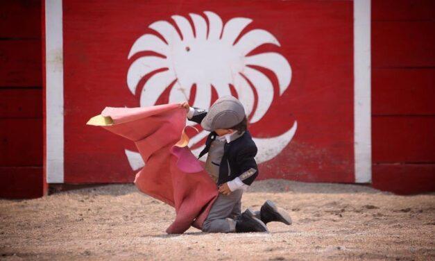 Pachuca rechaza prohibir la entrada de los niños a los toros