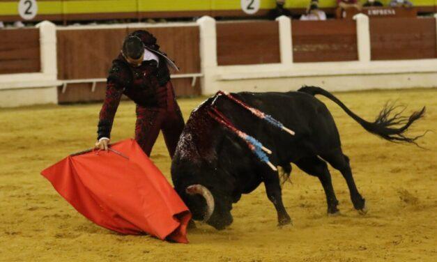 Un rotundo Manzanares rinde honores a Jandilla en Mérida