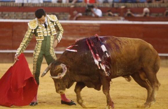 David de Miranda triunfa en un festejo largo lastrado por el ganado en Huelva