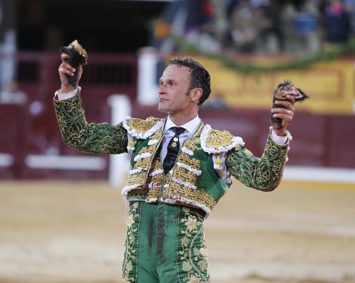 Simón Casas y Antonio Ferrera alcanzan un acuerdo de apoderamiento