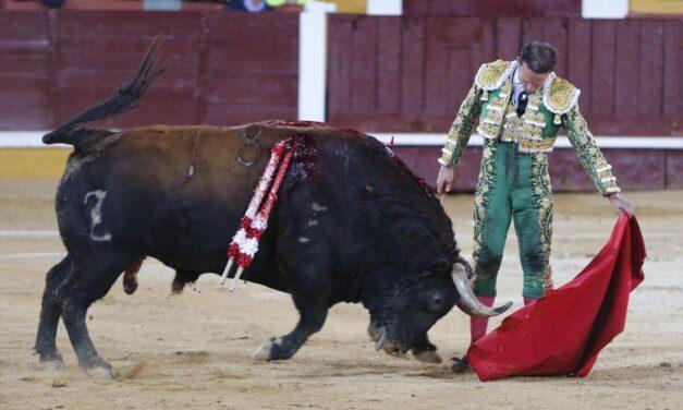 Maestría y raza de Antonio Ferrera en Badajoz