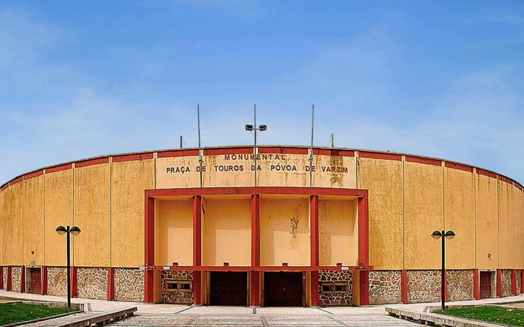 El Tribunal Administrativo y Fiscal de Oporto suspende la demolición de la plaza de Póvoa de Varzim