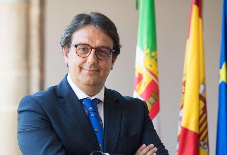 """La Junta de Extremadura elimina el límite de 200 espectadores: """"Es de justicia"""""""