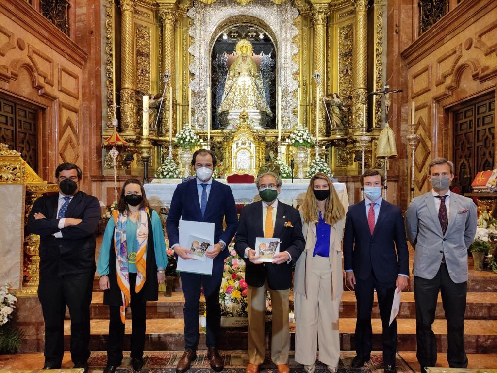 """Una """"brava"""" visita a la Hermandad de La Macarena"""