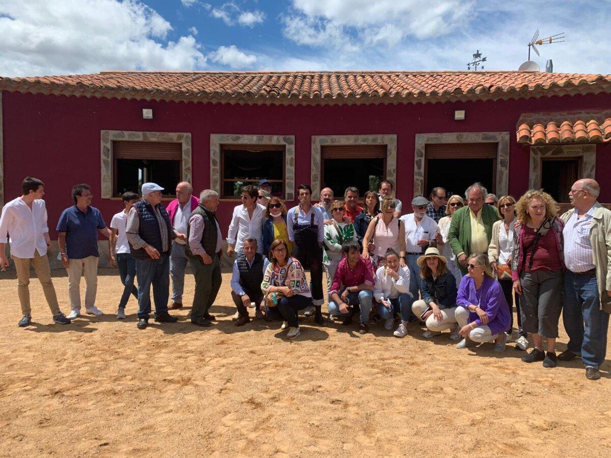 El Club Taurino de Bilbao visita las ganaderías de Garcigrande y La Campana