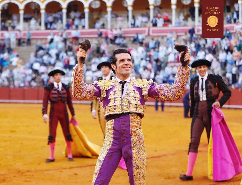Destellos de Antonio Ferrera ante el quinto en Sevilla