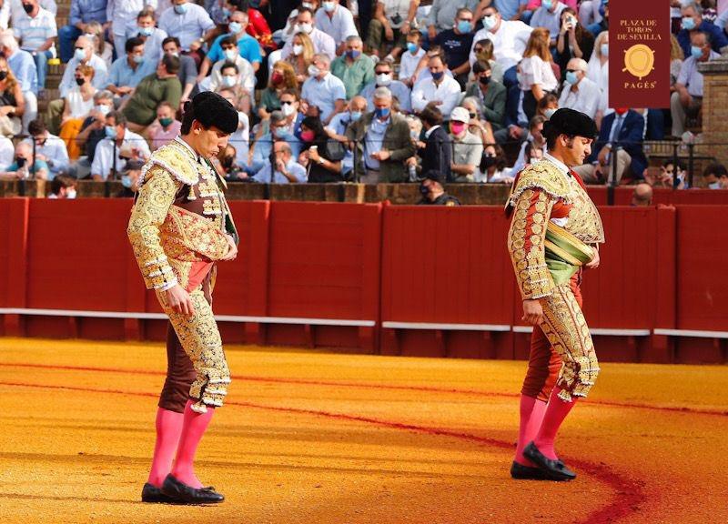 Oreja al buen torero de Juan Ortega en el sexto de Sevilla